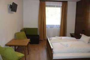 2 ágyas